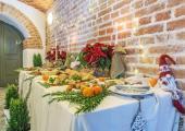 Catering-swiateczny-stol-z-potrawami